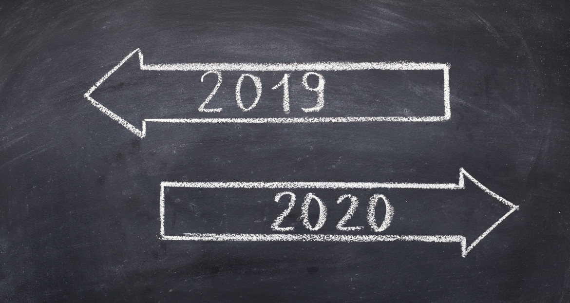 two-direction-signs-with-arrows-and-numbers-2019-and-2020.jpg